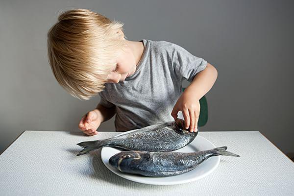 bimbo pesce