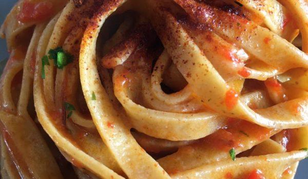 Tagliolino integrale con peperone e vongola